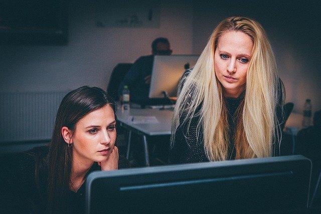 Ženy pri práci.jpg